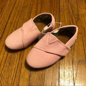Little Girls Pink Canvas Shoes Size 8 Toddler